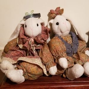 House of Lloyd's Mr. & Mrs. Hareson shelf sitters